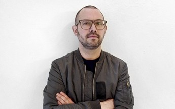 Playtypes medstifter og direktør Rasmus Ibfelt er forelsket i typografi.